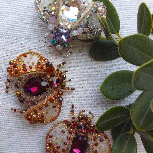 Bride Bee & Bridesmaids 🐝 Set of 3 Beaded Brooches