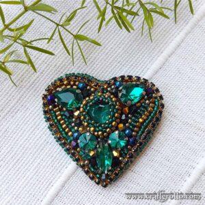 Emerald Heart 💚 Handcrafted Designer's Beaded Brooch