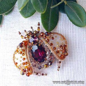 Honey Bee 🐝 Beaded Brooch